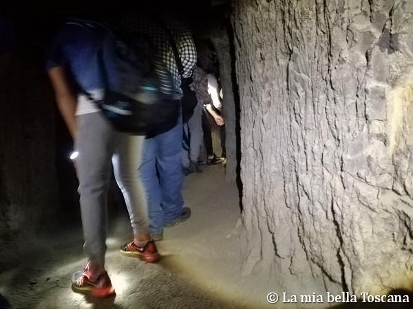 Dentro la grotta rifugio
