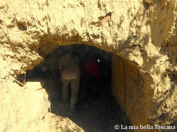 Ingresso grotta-rifugio
