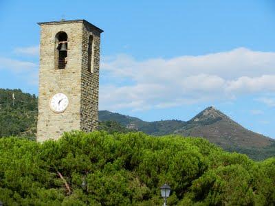 Pievi romaniche del Valdarno in Toscana