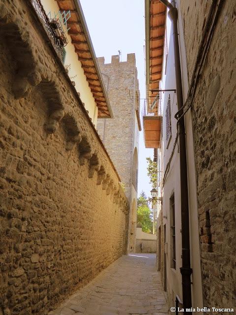 Mura medioevali in Toscana