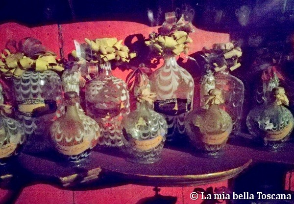 Ampolle spezieria di Figline Valdarno